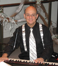 Dr. Topilow performing at the Monmouth Museum in Lincroft, N.J.